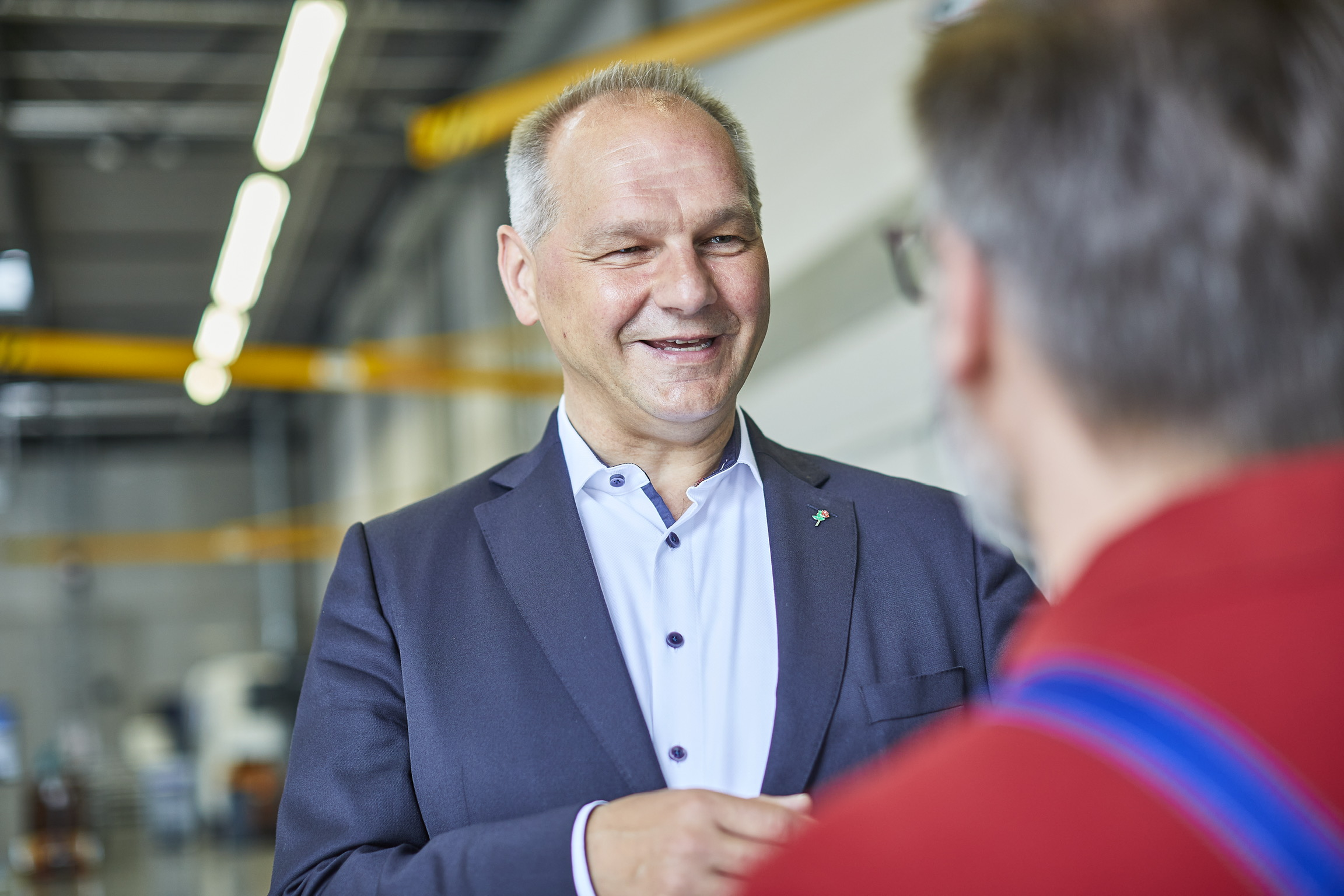 Mathias Stein in Werkshalle, Foto Olaf Bathke